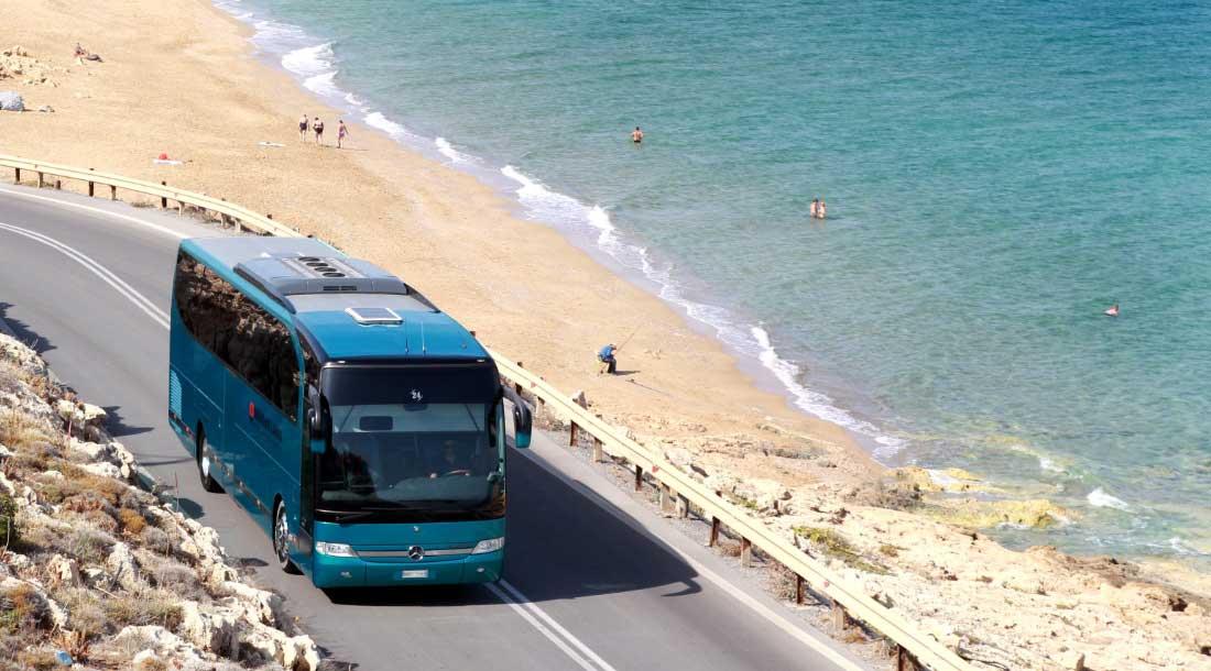 Автобус в Лазурное