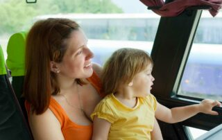 Как путешествовать с ребенком на автобусе